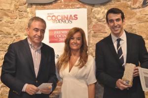 De izquierda a derecha, Javier Rosales del grupo Alvic; Laura Curt, Editora Ejecutiva de Curt Ediciones; y Pau Struch de la firma Hisbalit.